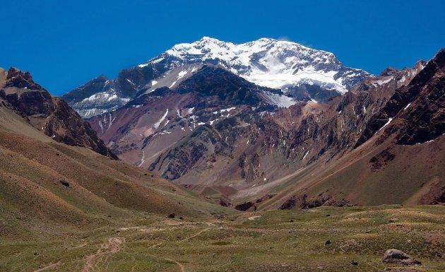 Mt_Aconcagua_near_Mendoza_Argentina